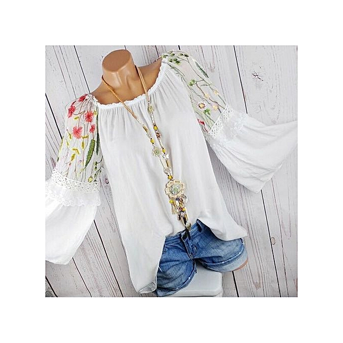 Fashion Tectores Fashion femmes O-Neck Blouse Floral Embroidery Lace Flare Sleeve T-shirt Tops à prix pas cher