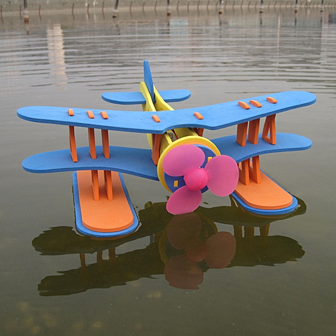 UNIVERSAL EVA Plane Toy Driving On The Water Airplane Model Motor Power Enfant drôle Toy Gift- à prix pas cher