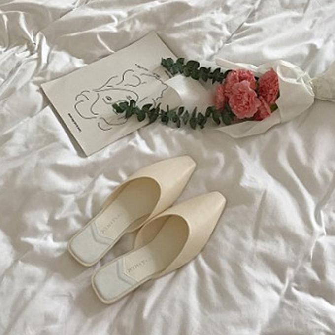 Generic TB femmes Flat Slippers Casual Ladies Pointed Toe Square Rhinestone Buckle chaussures-blanc à prix pas cher    Jumia Maroc