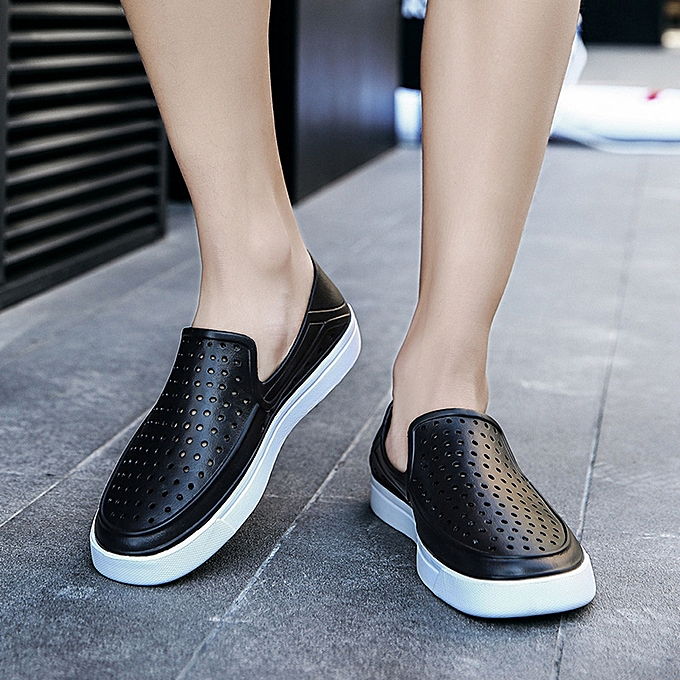 Fashion Outdoor Casual Sandals Walk Beach Flip Flops Flat Men Hollow Light chaussures Slipper à prix pas cher