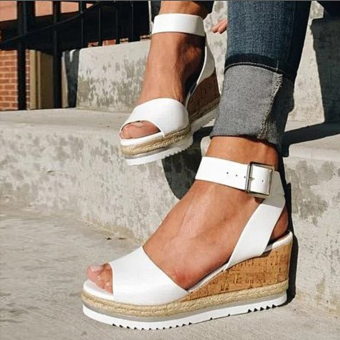 Fashion Retro femmes Open Toe Ankle Platform Wedges chaussures Ladies Rohomme Sandals à prix pas cher