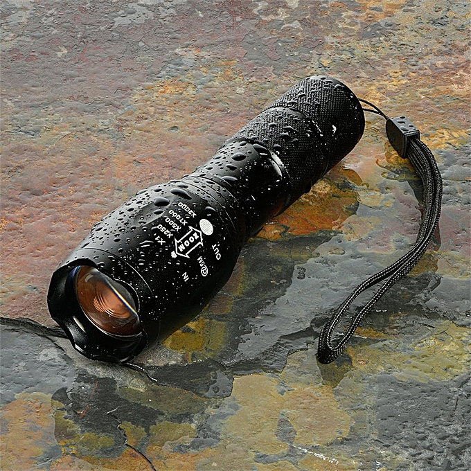Electronic X800  LED Flashlight Tactical XML-T6 Zoomable Torch Lamp 18650 AAA à prix pas cher