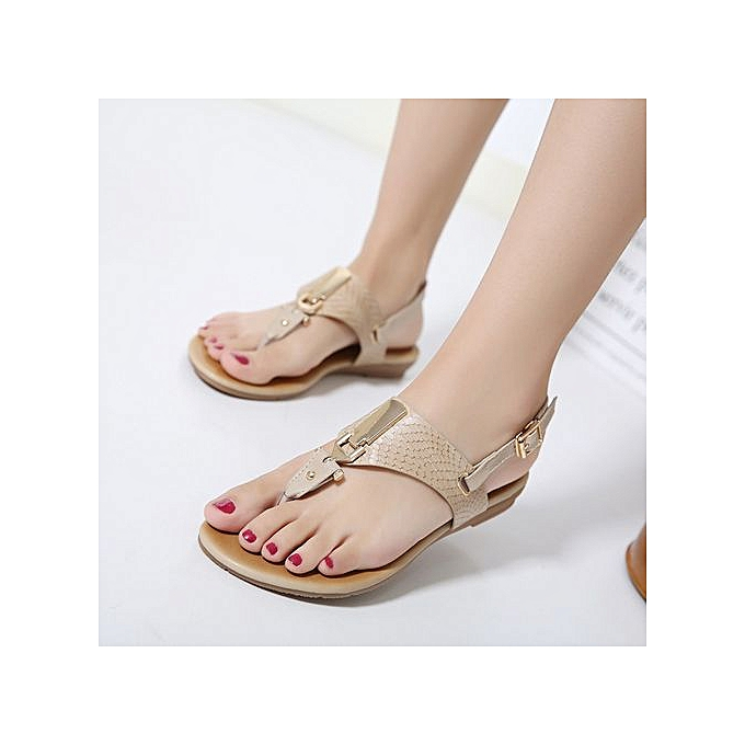 Fashion New European American femmes Sandals Metal Buckle Flat chaussures Toe Breathable Low To Help Large Taille Flat chaussures à prix pas cher