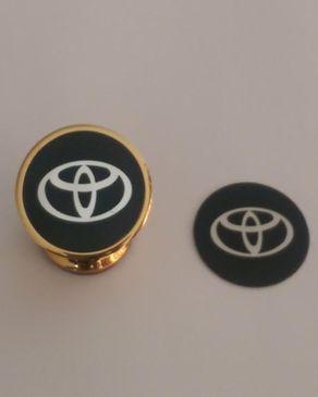 universal support t l phone magn tique voiture gold de luxe pour toyota acheter en ligne. Black Bedroom Furniture Sets. Home Design Ideas