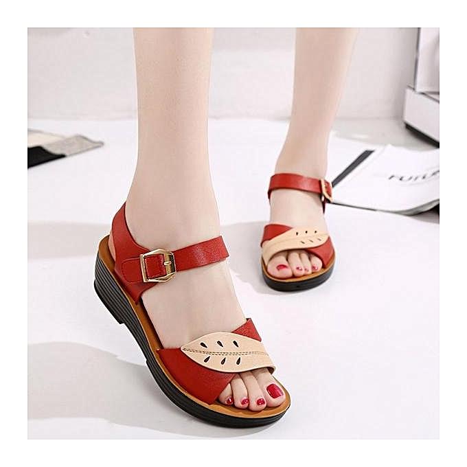 Fashion Fashion femmes Leaves Comfortable Buckle Wedges Summer Sandals à prix pas cher